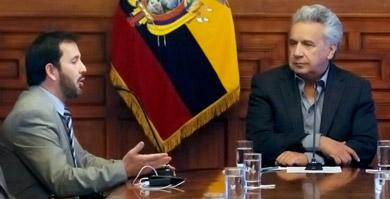 Photo of Moreno pide a ministro Granda dar 'máxima' prioridad a Guayaquil con canastas de alimentos