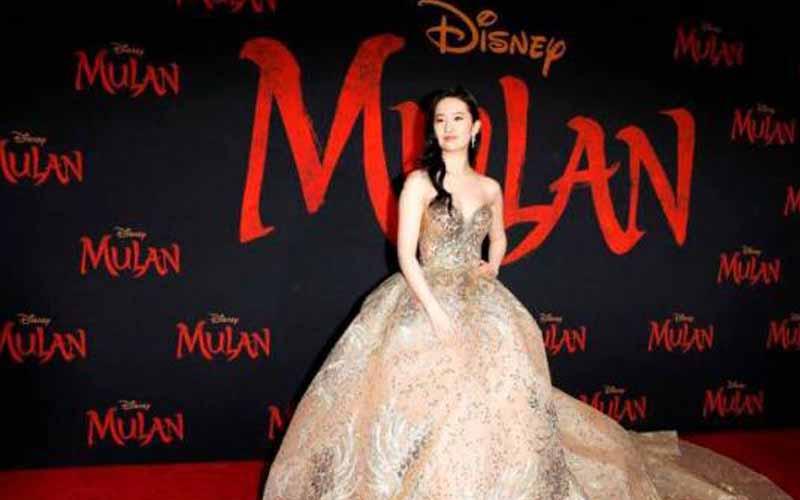 Photo of Disney finalmente aplaza el estreno de «Mulan» en todo el mundo
