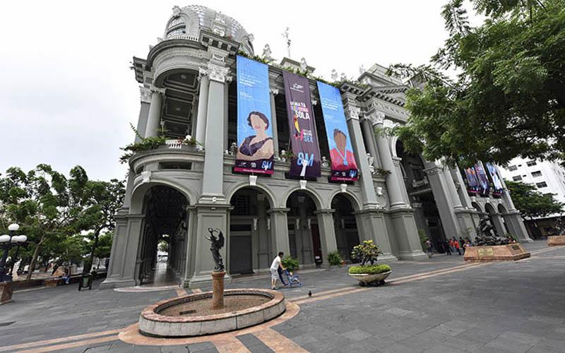 Photo of Las principales edificaciones, monumentos y fuentes de Guayaquil se iluminarán de morado en reconocimiento a las mujeres
