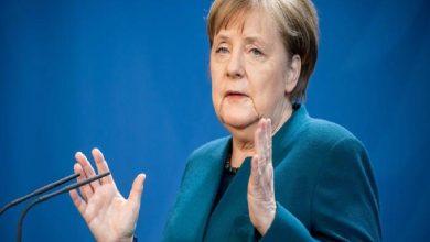 Photo of Angela Merkel está «sana» y «activa» en su primer día de cuarentena en casa