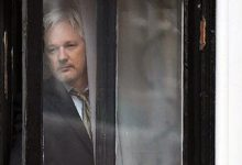 Photo of Tribunal niega la libertad condicional a Assange pese a temores por COVID-19