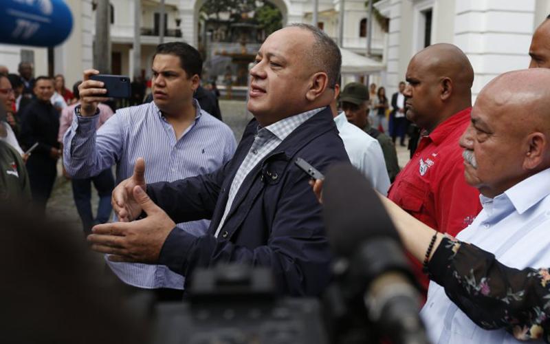Photo of Diosdado Cabello recibe hasta un millón de dólares mensuales en negocios ilícitos, según diario español