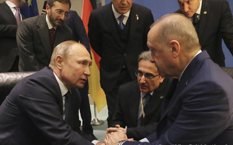 Photo of Putin y Erdogan se reúnen para buscar alto al fuego en Siria