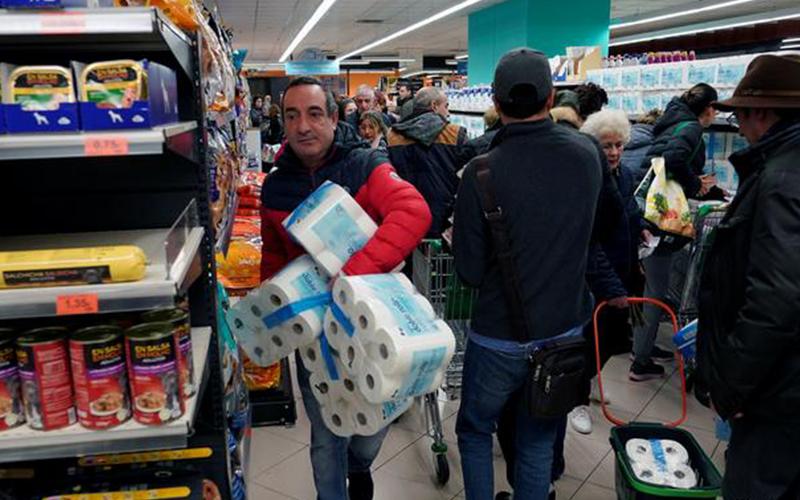Photo of El Gobierno español prohíbe todos los desplazamientos que no sean «de fuerza mayor»