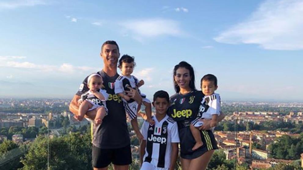 Photo of Cristiano y su familia 'huyen' de Italia por el coronavirus