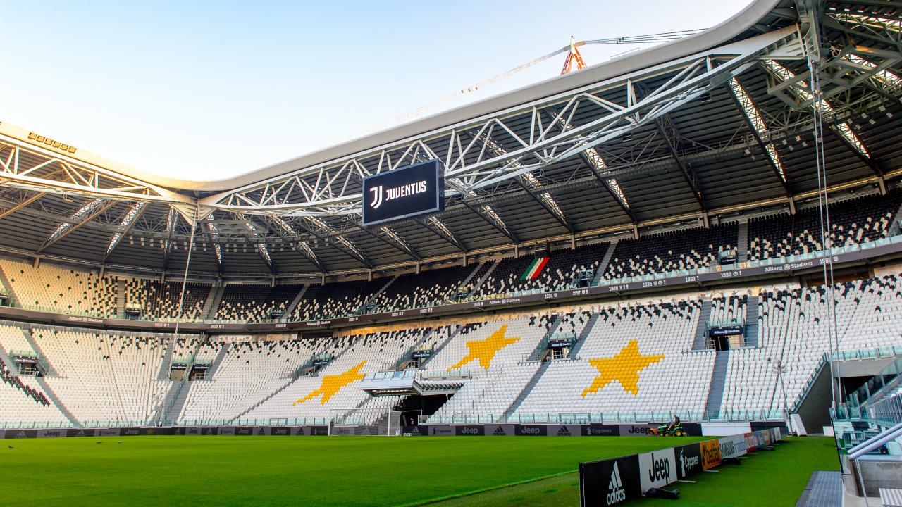 Photo of Juventus e Inter se enfrentan en un Clásico italiano a puerta cerrada