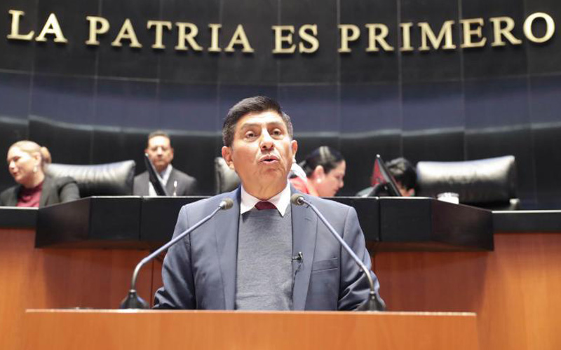 Photo of Senador mexicano propone prohibir difusión de letras misóginas de reguetón
