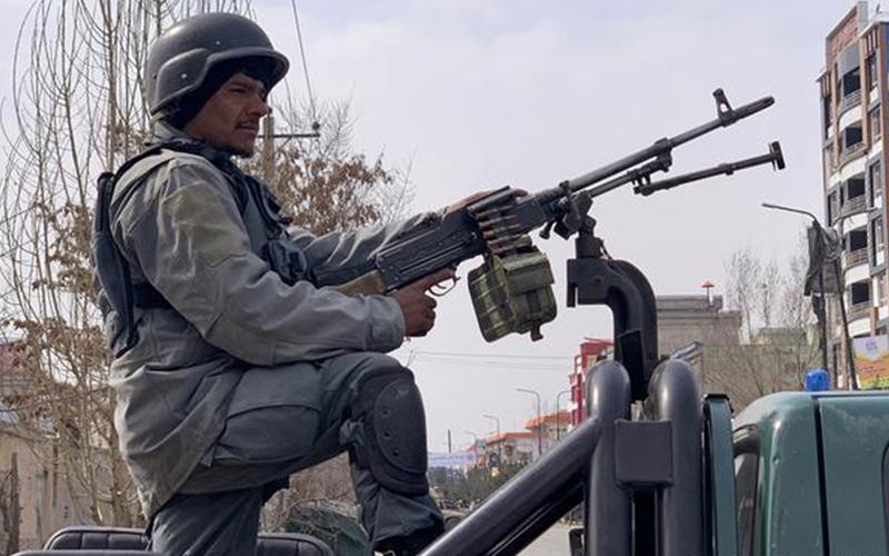 Photo of Muertos y heridos tras tiroteo en mitin político en Kabul