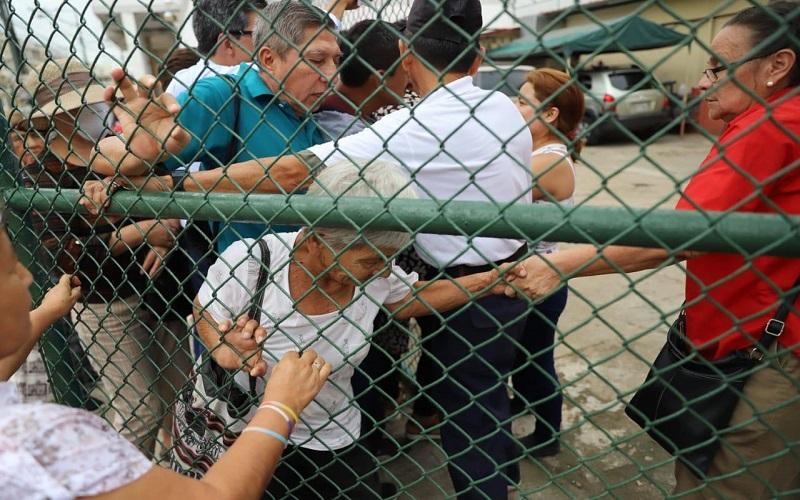Photo of Incidentes en el centro de Guayaquil por conseguir productos antibacteriales