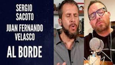 Photo of Juan Fernando Velasco junto a Sergio Sacoto en Música desde caleta