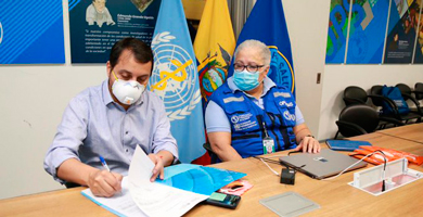 Photo of OPS dona insumos y dispositivos de protección al IESS
