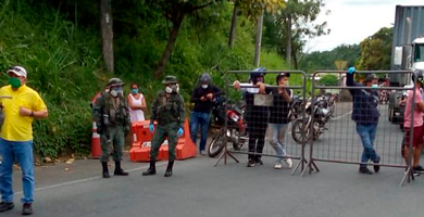 Photo of Romo ordena mayor control de la FFAA y Policía al tráfico interprovincial de pasajeros