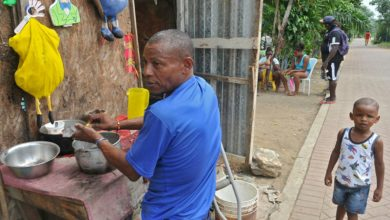 Photo of Nigeria, el barrio de Guayaquil que le corretea a la pandemia y el hambre