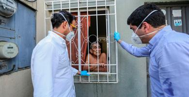 Photo of Sonnenholzner y Roldán constatan entrega de alimentos a familias de Guayaquil
