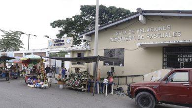 Photo of Alcaldía de Guayaquil dirige desinfecciones masivas en Cementerios de la parroquia urbana Pascuales.