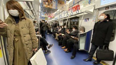 Photo of Una campaña masiva de reparto de mascarillas se vuelve en contra del Gobierno de Japón