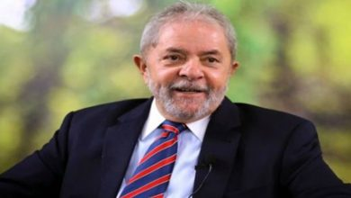 Photo of Lula, sobre la disputa entre Bolsonaro y Moro: «Los dos son bandidos»
