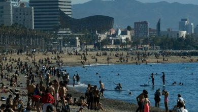 Photo of Barcelona abre sus playas y parques para dar paseos
