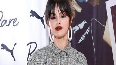 Photo of ¿Amor en puertas? A Selena Gomez la capturaron en un apasionado beso con otro actor