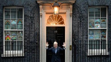 Photo of Johnson, frente a la oposición tras ver dispararse el número de muertos