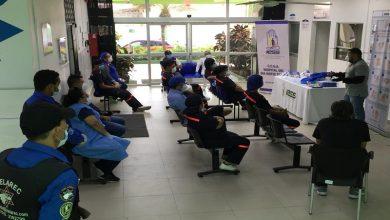 Photo of Personal del Hospital del Día Norte Tarqui continúa su capacitación en el uso de EPP