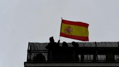Photo of España mantiene Madrid y Barcelona bajo estricto confinamiento