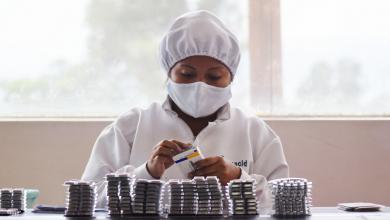 Photo of La industria farmacéutica se adapta y continúa operando