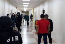 Photo of Primera acción de Fuerza de Tarea de Fiscalía: 37 allanamientos en Quito y Guayaquil y 17 detenidos
