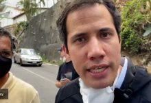 Photo of Juan Guaidó se mostró en las calles de Caracas y desmintió al régimen chavista que lo acusaba de estar escondido en una embajada