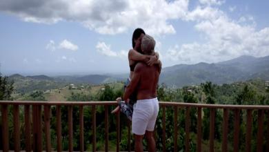 Photo of Puertorriqueños se unen a una cadena de besos y recrean el vídeo de Residente
