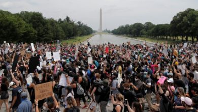 Photo of Multitudinarias marchas pacíficas contra la violencia racista en EEUU