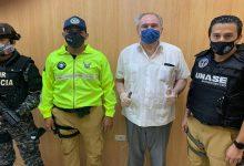 Photo of Juez dicta arresto domiciliario para expresidente Abdalá Bucaram, detenido por tenencia ilegal de arma