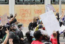 Photo of Nuevas protestas en Nueva York tras saqueos nocturnos y pese a toque de queda