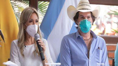 Photo of Prefectura del Guayas firma convenio con Asociación de Ganaderos