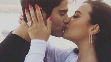 Photo of Demi Lovato se compromete con Max Ehrinch; presume anillo