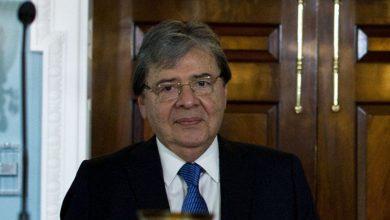 Photo of Colombia investigará saqueo al consulado de Venezuela