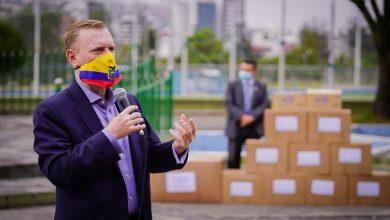 Photo of Embajada de Estados Unidos en Ecuador suspende visas de personas involucradas en actos de corrupción