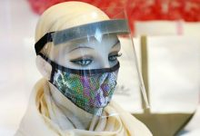 Photo of Qué tan buenas son las pantallas faciales para protegernos del coronavirus