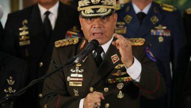 Photo of Ministro de Defensa de Maduro ordenó despedir a 300 oficiales del Ejército