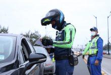 Photo of 7 vehículos retenidos y 57 citaciones por incumplir restricción vehicular y mal uso de salvoconducto