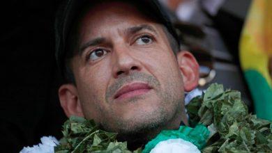 """Photo of Crece la tensión en Bolivia: Luis Camacho exigió al gobierno de Añez que """"no se someta"""" al MAS de Evo Morales y levante por la fuerza de los """"criminales"""" bloqueos de rutas"""
