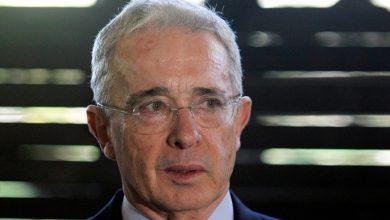 Photo of La Corte Suprema de Colombia ordena detención domiciliaria contra el expresidente Álvaro Uribe