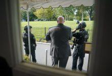 Photo of Trump sale abruptamente de sala de prensa de la Casa Blanca