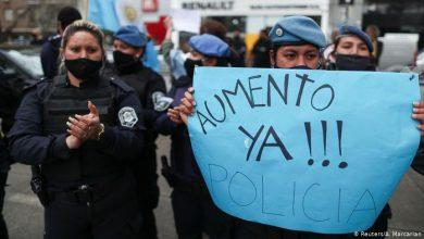 Photo of Buenos Aires aprueba subida salarial tras protestas policiales