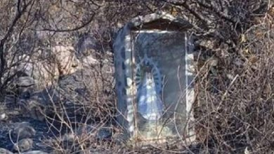 Photo of Se vuelve viral imagen de la Virgen que quedó intacta tras un incendio en Argentina