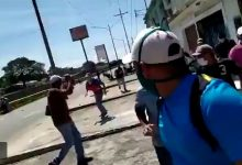 Photo of Tensión en Venezuela: las fuerzas del régimen de Maduro reprimen el cuarto día de protestas en Yaracuy