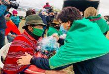 Photo of Crédito y ayuda continúan llegando a los afectados por la ceniza del Sangay