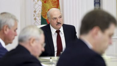 Photo of El líder de Bielorrusia busca castigar a los trabajadores y estudiantes en huelga
