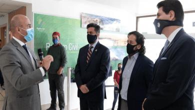Photo of El Ministro Michelena entregó el primer pasaporte biométrico y se reunió con representantes de la industria de software, en Cuenca