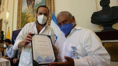 Photo of Gobernación del Guayas entrega reconocimiento a Jesús Fichamba